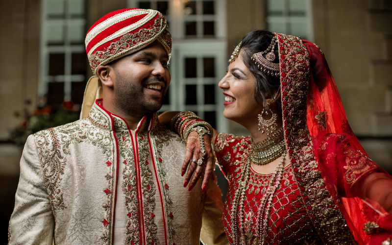 photo taken of a couple at sikh wedding in birmingham